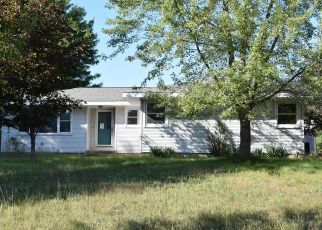 Foreclosed Home in Manistee 49660 COUNTY LINE RD W - Property ID: 4301327899