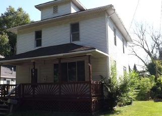Foreclosed Home in Essexville 48732 MARSHALL ST - Property ID: 4301410669