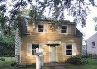 Foreclosed Home in Redford 48239 CENTRALIA - Property ID: 4301419427