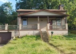 Foreclosed Home in Covington 41016 MOORE ST - Property ID: 4301593748