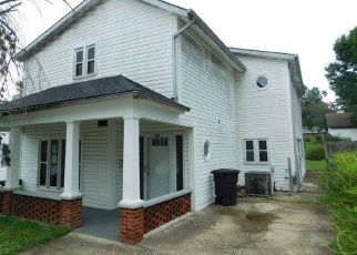 Foreclosed Home in Frankfort 40601 NOEL AVE - Property ID: 4301600299