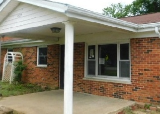 Foreclosed Home in Burlington 41005 ROGERS LN - Property ID: 4301613895