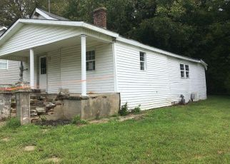 Foreclosed Home in Stanford 40484 DARST ST - Property ID: 4301634921