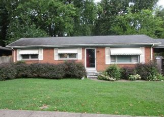 Foreclosed Home in Louisville 40219 DEANNA DR - Property ID: 4301637536