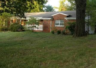 Foreclosed Home in Benton 42025 MERRYWOOD DR - Property ID: 4301662502