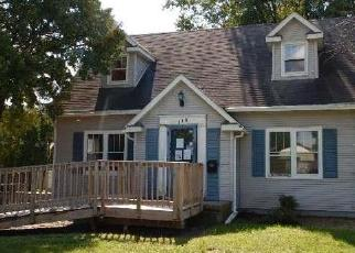 Foreclosed Home in Waterloo 50701 BERKSHIRE RD - Property ID: 4301752736