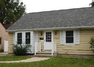 Foreclosed Home in Cedar Rapids 52403 BUCHANAN DR SE - Property ID: 4301776369