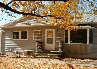 Foreclosed Home in Cedar Rapids 52403 39TH ST SE - Property ID: 4301805277