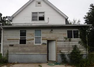 Foreclosed Home in Michigan City 46360 PINE ST - Property ID: 4301901189