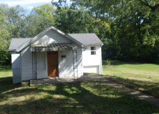 Foreclosed Home in Anderson 46012 HILL ST - Property ID: 4301905132