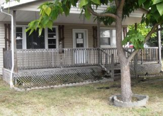 Foreclosed Home in Pocahontas 62275 W KAVANAUGH ST - Property ID: 4301972590