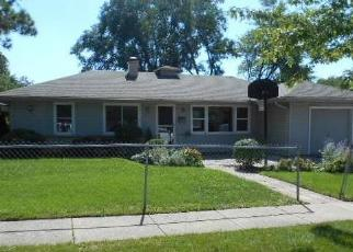 Foreclosed Home in West Chicago 60185 S OAK ST - Property ID: 4301982215