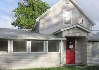 Foreclosed Home in Rushville 62681 URVEN RD - Property ID: 4302039599