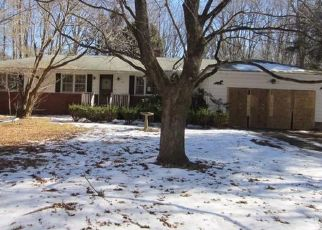 Foreclosed Home in North Branford 06471 VALLEY RD - Property ID: 4302432460