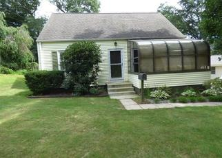 Foreclosed Home in Southington 06489 BIRCHCREST DR - Property ID: 4302451289