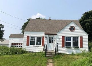Foreclosed Home in Stratford 06615 5TH AVE - Property ID: 4302465752