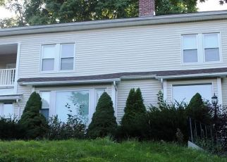 Foreclosed Home in Naugatuck 06770 MAY AVE - Property ID: 4302467946
