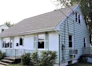 Foreclosed Home in Stratford 06614 KING ST - Property ID: 4302513933