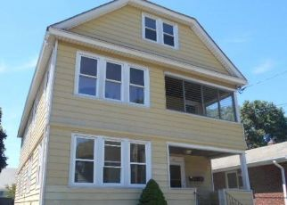 Foreclosed Home in Bridgeport 06610 WEBER AVE - Property ID: 4302540642