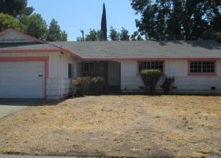 Foreclosed Home in Sacramento 95822 SARAZEN AVE - Property ID: 4302604585