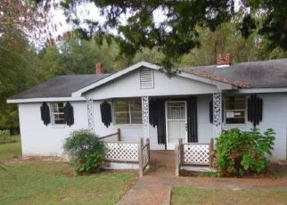 Foreclosed Home in Hurtsboro 36860 BATTLE RD - Property ID: 4303223891