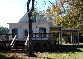 Foreclosed Home in Moundville 35474 RIVERVIEW BEACH RD - Property ID: 4303303590