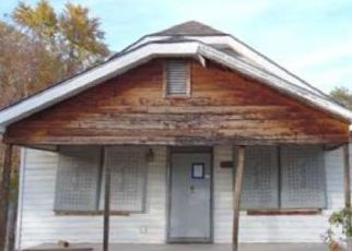 Foreclosed Home in Arkansas City 67005 W KANSAS AVE - Property ID: 4303389434