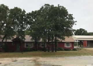 Foreclosed Home in Nocona 76255 COUNTRY CLUB DR - Property ID: 4303390305