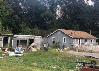 Foreclosed Home in Oak Ridge 07438 DAN JENNINGS RD - Property ID: 4303442878
