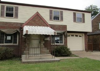Foreclosed Home in Pittsburgh 15227 GLENDALE AVE - Property ID: 4303553679