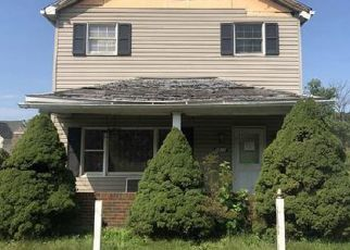 Foreclosed Home in Mckeesport 15135 ROSLYN ST - Property ID: 4303566822
