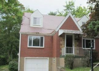 Foreclosed Home in Verona 15147 MOUNT CARMEL RD - Property ID: 4303567696