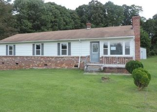Foreclosed Home in Victoria 23974 BURKEVILLE RD - Property ID: 4303782740