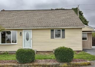 Foreclosed Home in Fredericksburg 17026 MOUNTAIN DR - Property ID: 4303860250