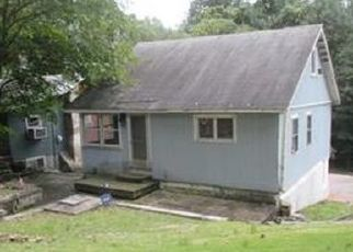 Foreclosed Home in Emmaus 18049 ROCK CLIFF RD - Property ID: 4303962297