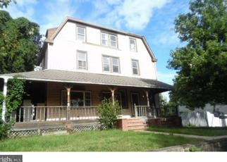 Foreclosed Home in Willow Grove 19090 HIGH AVE - Property ID: 4303979830