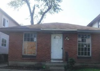 Foreclosed Home in Columbus 43211 E BLAKE AVE - Property ID: 4304005217