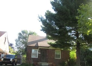 Foreclosed Home in Detroit 48224 UNIVERSITY PL - Property ID: 4304193557