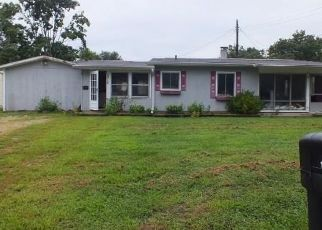 Foreclosed Home in Martinsville 46151 CROSS ST - Property ID: 4304268443