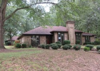 Foreclosed Home in Kilgore 75662 TOWN OAKS CIR - Property ID: 4304753727