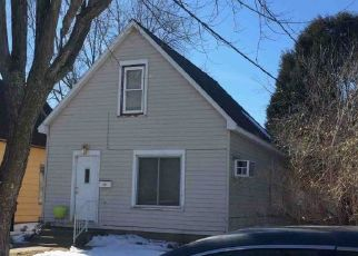 Foreclosed Home in Superior 54880 BAXTER AVE - Property ID: 4304798394