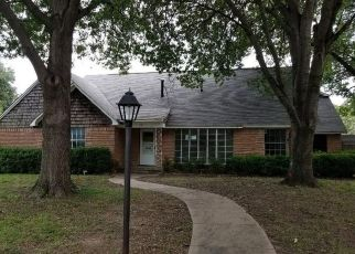 Foreclosed Home in Richardson 75080 PARKHAVEN DR - Property ID: 4304872412