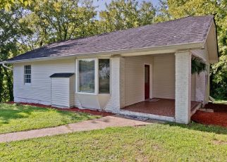Foreclosed Home in Chattanooga 37411 SHANNON AVE - Property ID: 4304904833