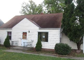 Foreclosed Home in Euclid 44123 COLBOURNE RD - Property ID: 4304921464