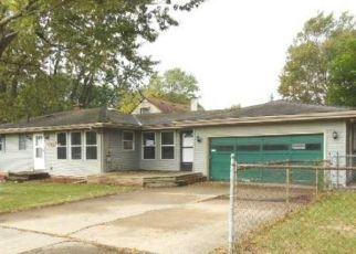 Foreclosed Home in Lansing 48910 SOUTHGATE AVE - Property ID: 4305045857