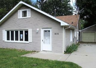 Foreclosed Home in Lansing 48910 MARY AVE - Property ID: 4305046283