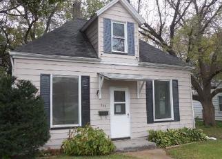 Foreclosed Home in Davenport 52802 N HOWELL ST - Property ID: 4305302507