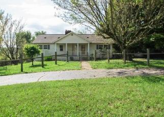 Foreclosed Home in Byrdstown 38549 JONES CHAPEL RD - Property ID: 4305355497