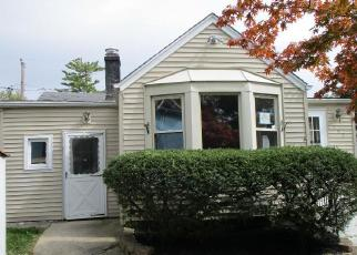 Foreclosed Home in Wood Dale 60191 N ELMWOOD AVE - Property ID: 4305363377