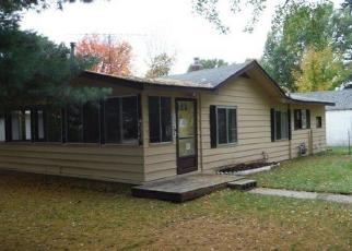 Foreclosed Home in Houghton Lake 48629 ELM ST - Property ID: 4305387919